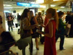 opération hôtesses aéroport de Marseille