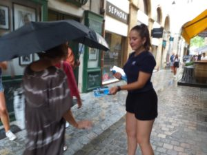 opération street marketing hôtesses Aix-en-Provence