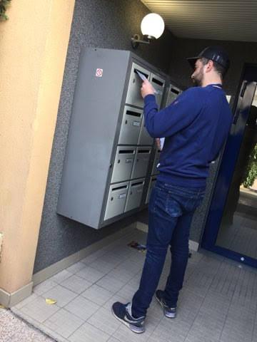 emboitage par un de nos agents dans une entrée d'immeuble
