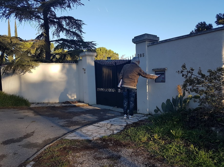 Distribution boites villa