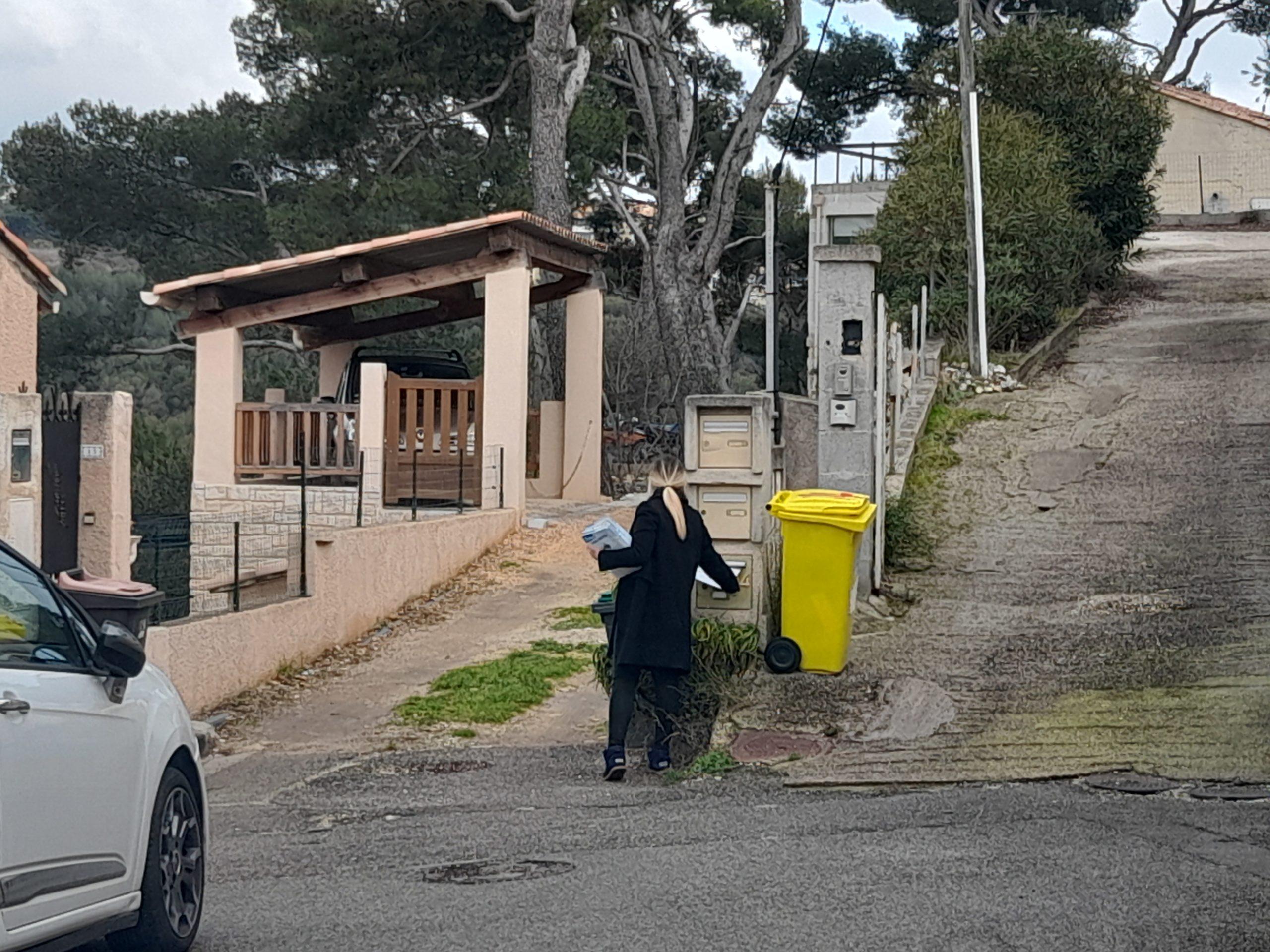 distribution boite au lettre villa