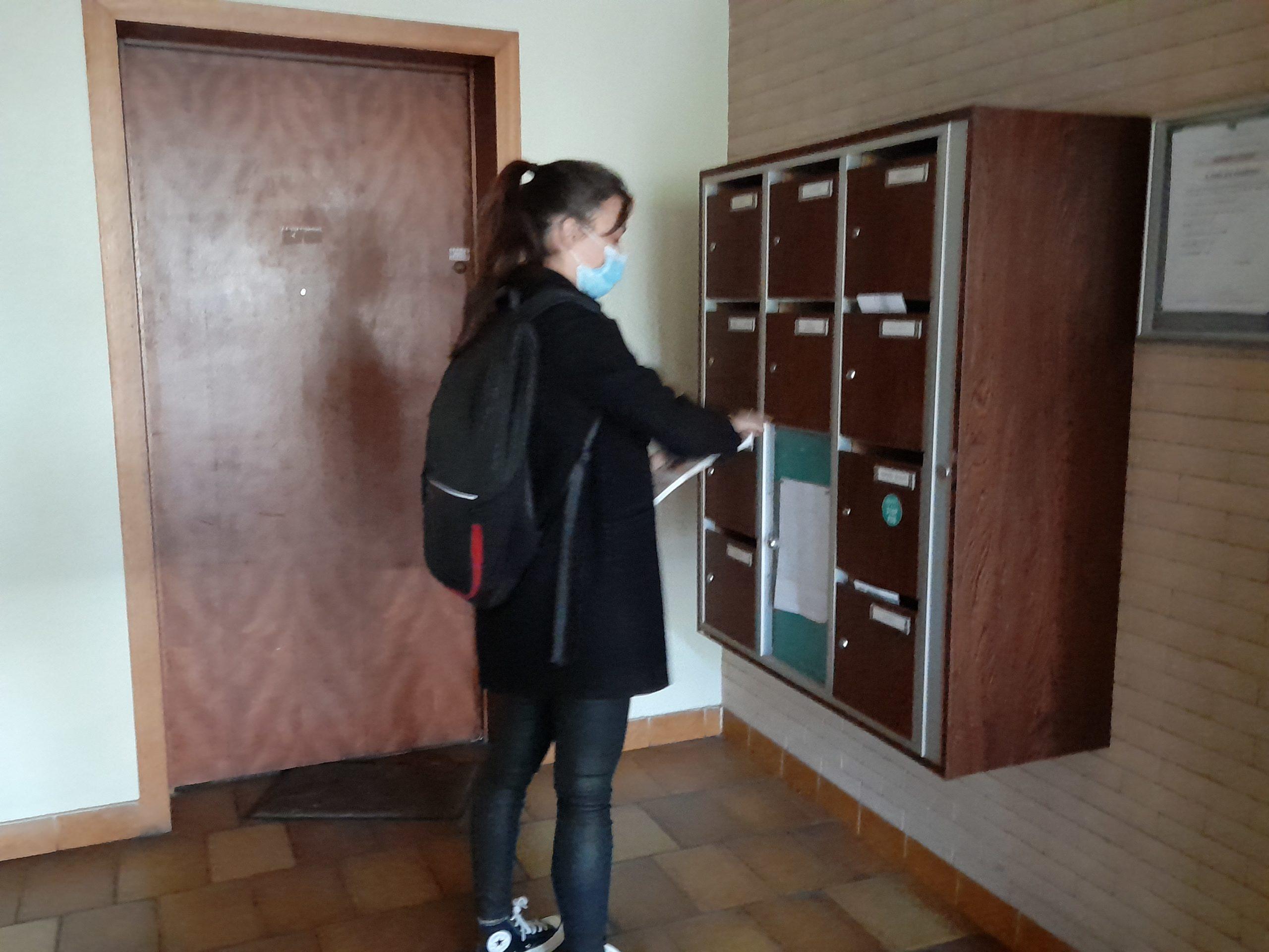 Distribution d'imprimés Marseille cedex hall d'entrée