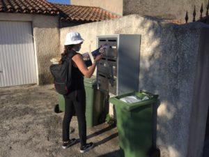 distribution d'imprimés publicitaires à Venelles par une de nos hôtesses sur un cedex